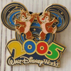 Walt Disney World 2005 large pin brooch chipmunk